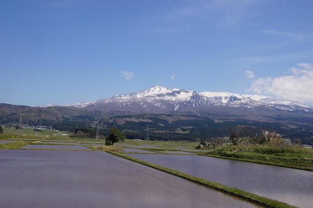 鳥海山が目の前にあり校舎からは絶景が望めます。