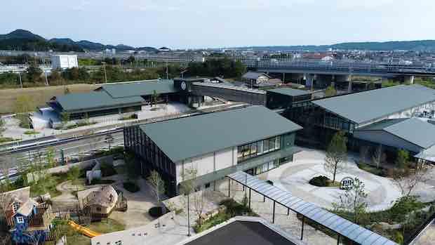 巨大マルシェに緑茶アトラクション、SLまで。静岡県島田市に体験型フードパーク〈KADODE OOIGAWA〉がオープン