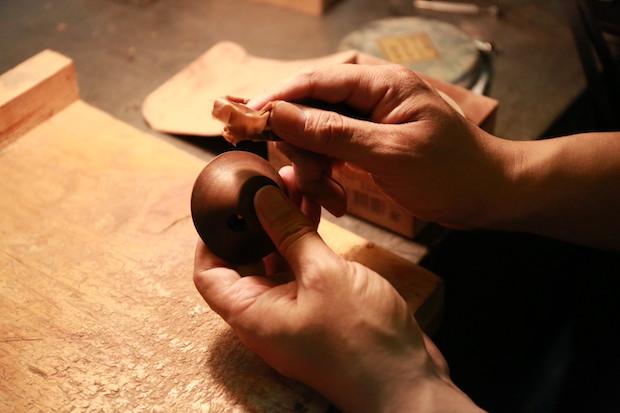 シャープナーは木型製作を営む小さな町工場の職人の熟練の技によるもの。