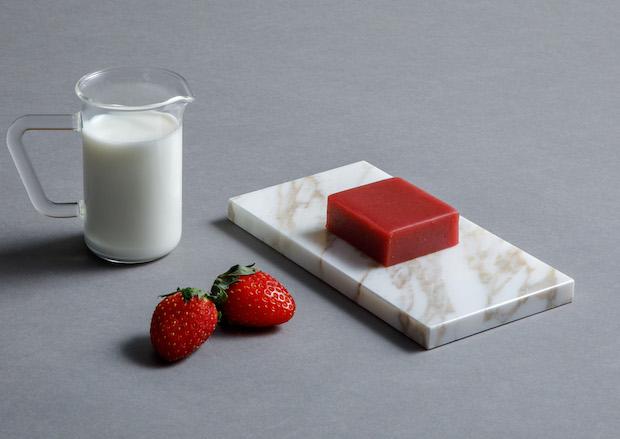 苺とミルクのヨウカンカ