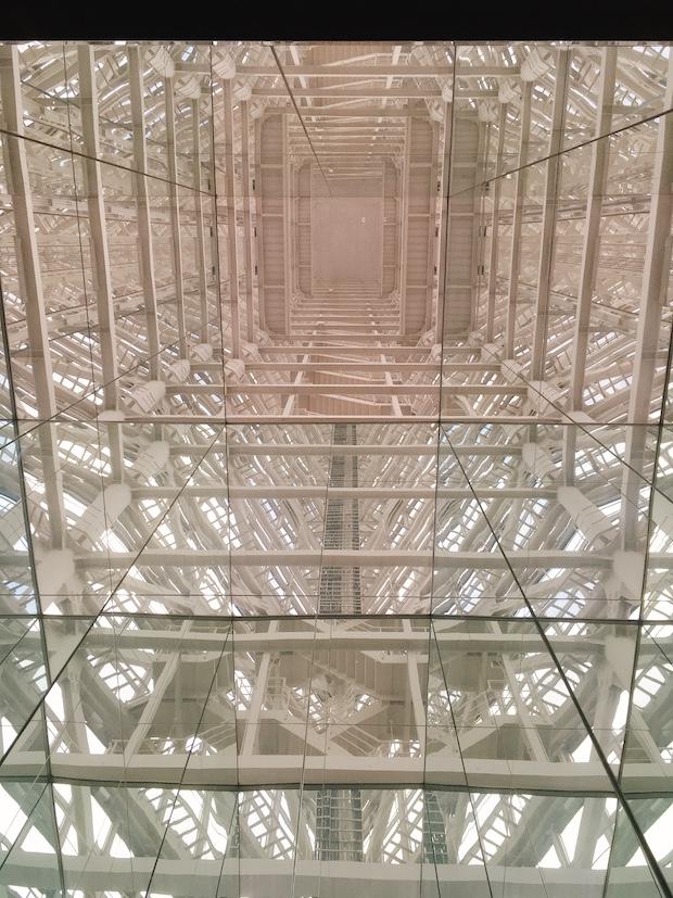 ガラス張りのエスカレーターは景色も抜群です。