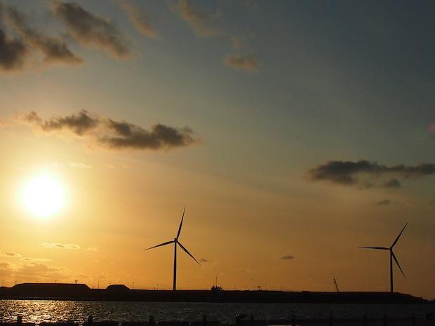 日本海に沈む夕日もよく見えます。