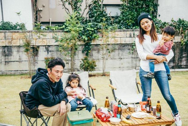 萩田秀樹さん、美紀さん、瑚菜ちゃん、登羽くんの4人家族。