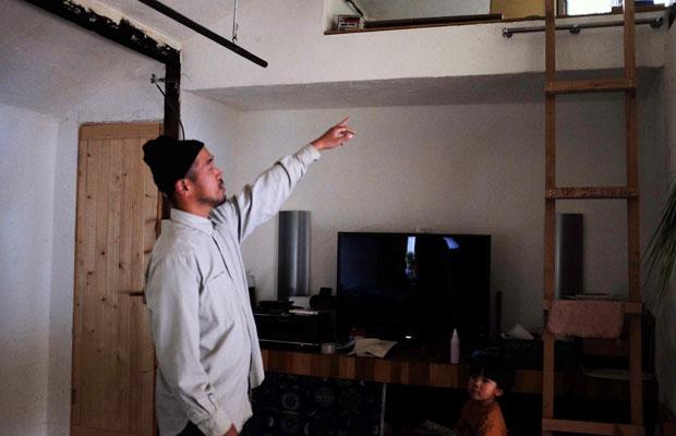 自ら家の修繕を行った将広さん。天井を広くとり、自然に風が循環するようにと考えた。