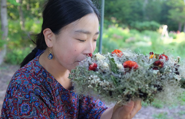 庭に生えていた花を自分でドライにしてリースづくり。