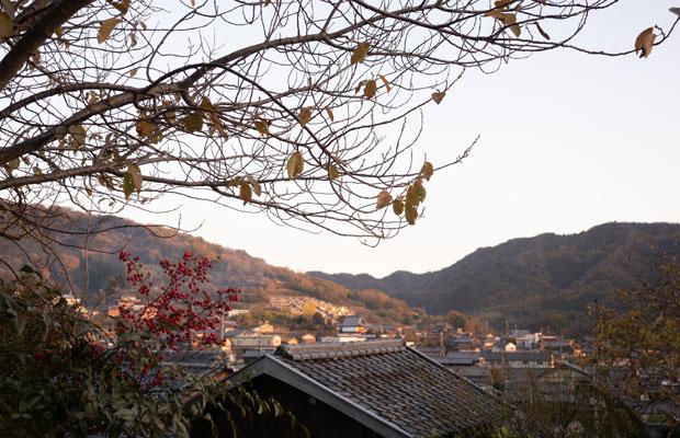 カフェからの眺めはすっかり冬景色。〈HOMEMAKERSカフェ〉は現在冬季休業中です。