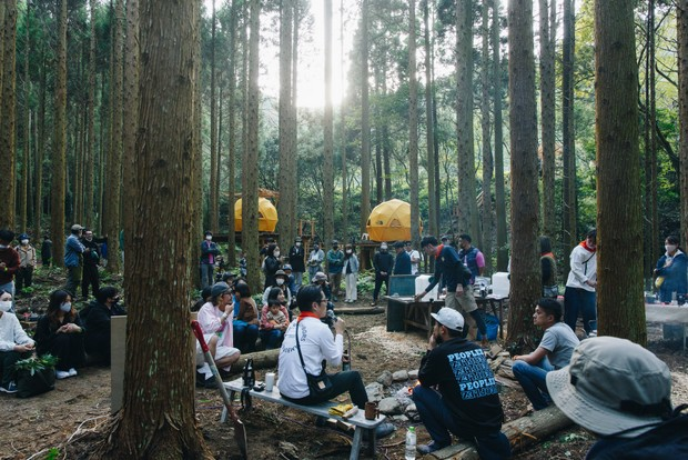森のことを学ぶ「グッドネイバーズ・カレッジ」も森の中で。