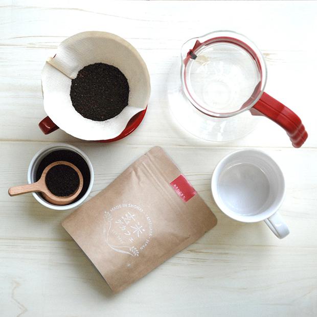 玄米茶とは異なり、コーヒーのようにドリップしていただきます。
