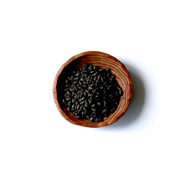 しっかりと中まで均一に火を通して焙煎された玄米。