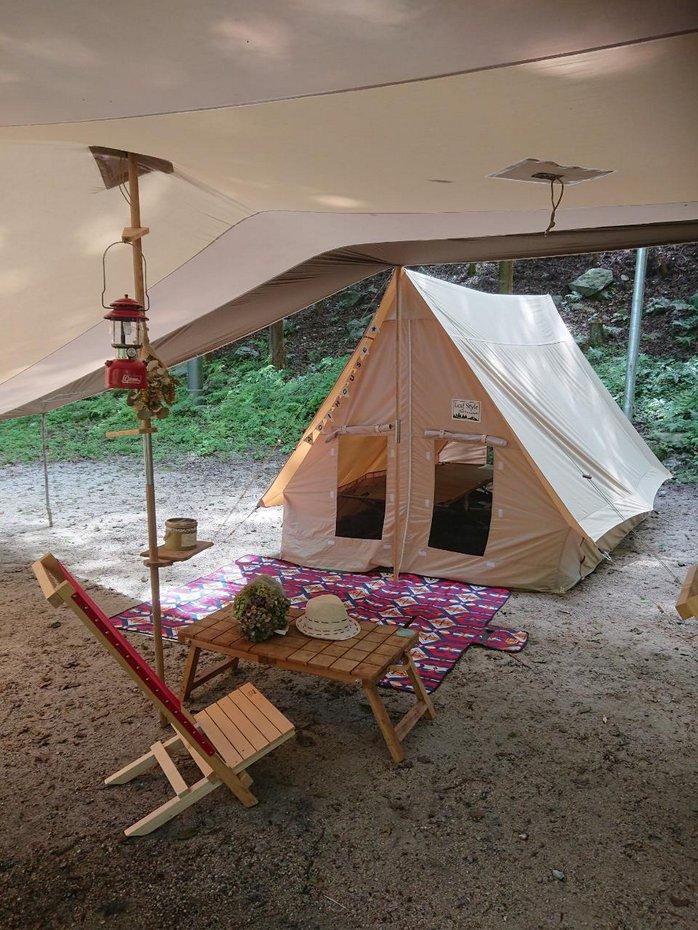 夏用テントを実際にキャンプ場に設置。