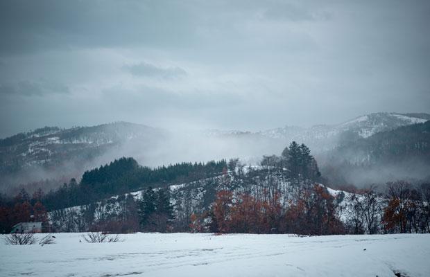 雪が降り積もる季節に学生たちの取材が行われた。(撮影:佐々木育弥)