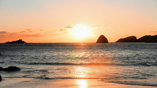 下田の海に沈む夕日