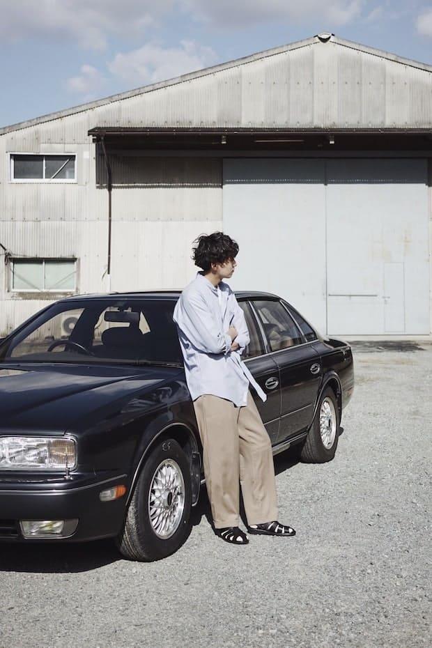 運転手に長年愛されたドライビングサンダルをモダナイズした〈DRV〉。