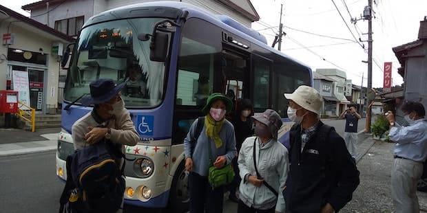 市営バスで巡る地元の歴史を辿るツアー。ツアーを通して「住み続けられるまちづくり」や、「エネルギーをみんなに そしてクリーンに」などのSDGs目標を実現する取り組み。