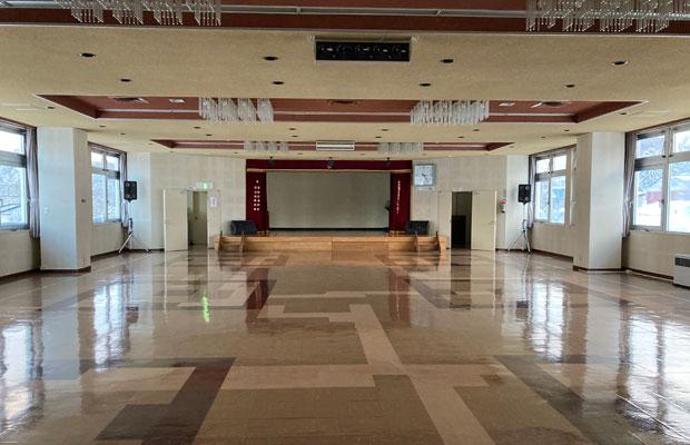 会場としたのは地域のコミュニティセンター。普段は地元主催のイベントで使用されている大広間を借りた。