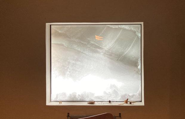 窓も雪に覆われていった。