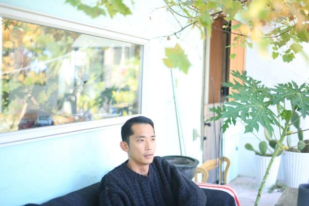 アパレルブランド〈SON OF THE CHEESE〉などをディレクションしている山本海人さん。