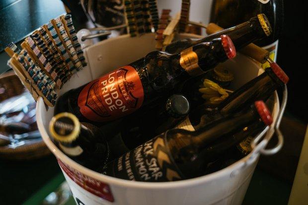 パブの一角にて。イギリス、アイルランドなど海外のビールや山口の地ビールなど10種類ほどを提供している。松田さん自身も大のビール好き。