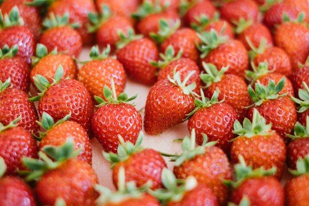 TAROで栽培している品種は「さちのか」。ビタミンCが多く含まれているのが特徴。TAROでは、先まで赤くなってから収穫している。