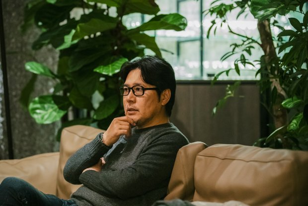 最後の最後までこだわったというラウンジのソファにて。ほかにもかなり細かい設備まで田中さんが選んでいる。
