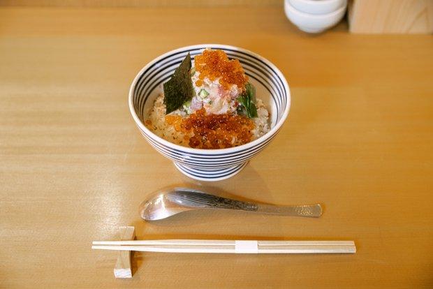 つじ半のせいたく丼(竹)(1500円・税込)