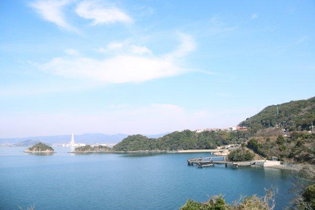 穏やかな瀬戸内海に囲まれた笠戸島。