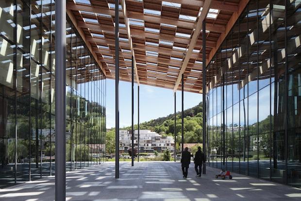 ブザンソン芸術文化センター(フランス)2012 ©Stefan Girard
