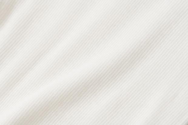 細番手のオーガニックコットン糸と伸縮糸を一緒に編んだテレコ素材は和歌山で生産された生地を使用