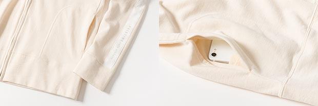 PRISTINEのパーカーは腕のラインには白のサテン地があしらわれ、ポケットの中にはスマホ用の内ポケットが付いている