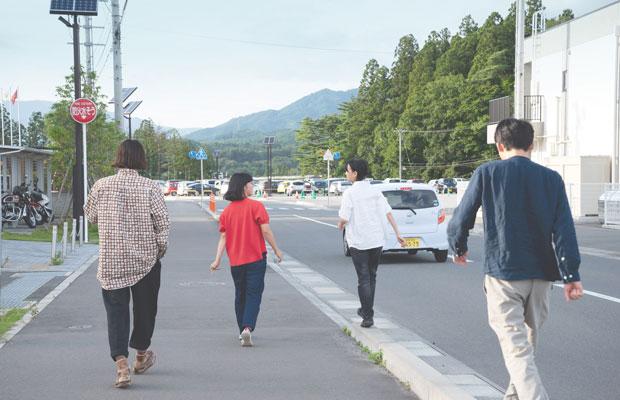 映画『二重のまち/交代地のうたを編む』より。©︎KOMORI Haruka + SEO Natsumi