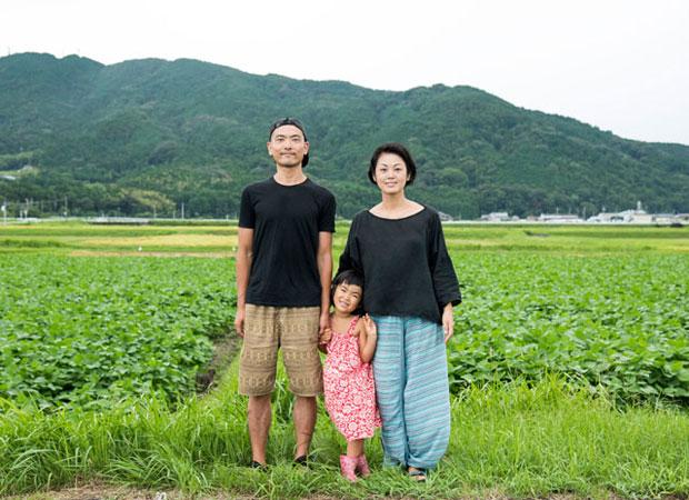 42歳の夫、42歳の妻、5歳の娘の津留崎家は移住することを決意。夫は会社を辞めて、移住先探しの旅へ。(2016年9月)
