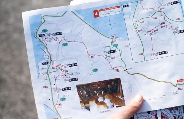 地図を見ながら、次のお寺まで2.5キロだよ~と確認しながら歩く。