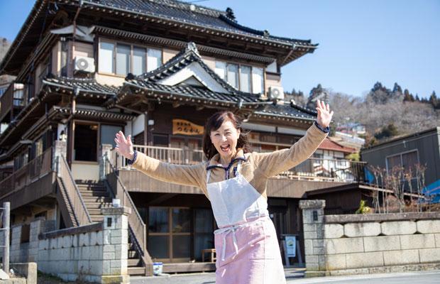 〈唐桑御殿 つなかん〉の女将・菅野一代さん。「つなかん」は、鮪立(しびたち)という地名につく鮪の英名(ツナ)と菅野邸の菅(かん)から、ボランティアをしていた地元の高校生がつけた呼び名。