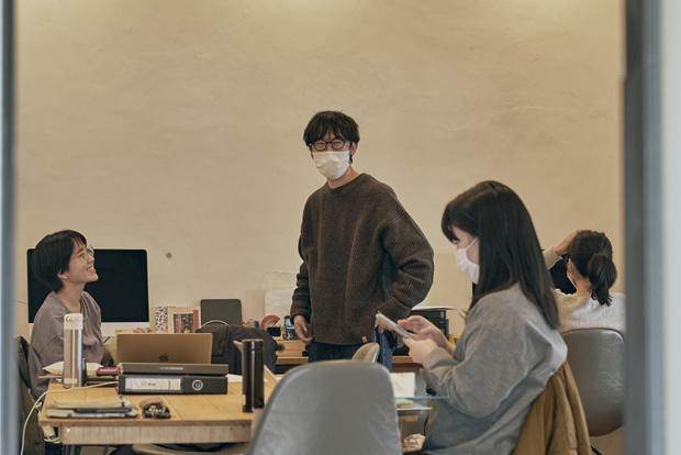 案内所も兼ねるfumotoのオフィス。現在は7名の地域おこし協力隊が拠点にしている。