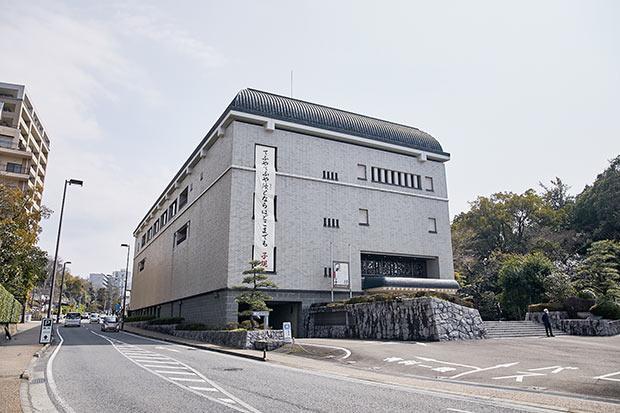 道後温泉駅近くにある、松山市立子規記念博物館も見逃せない。道後・松山の歴史に始まり、子規の青春時代やめざしていた世界までが見られる充実の展示。