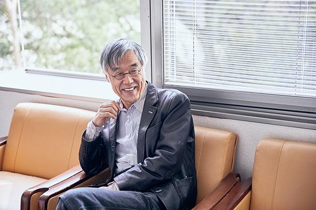 「だから、ことば大募集」で審査員長を務める高橋源一郎さん。長く松山に通い、まちについてもよく理解している。「私の知っている松山の人は非常に個性の強い人が多く、そういう意味で作家が多く出ているのもわかるんですよ。なぜそうなのかはよくわからないんですが……」