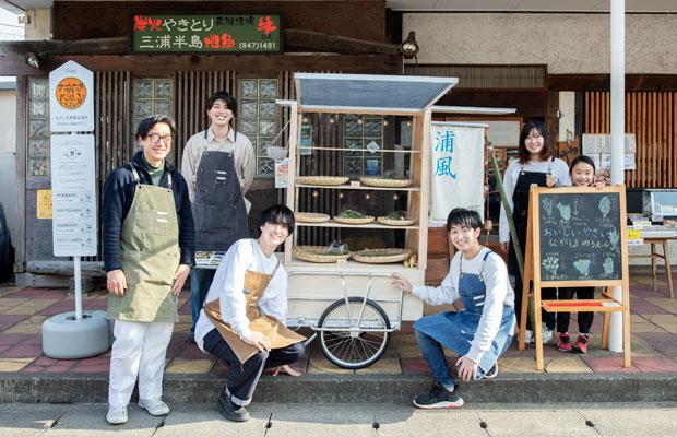 柳澤研究室のメンバー。現行機をデザインした先輩に負けないよう、2代目を手がけている。