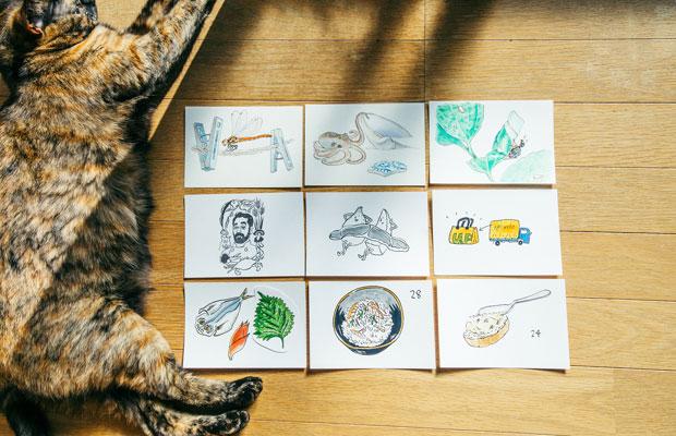 なるべく小さなサイズで描きたいという横山さんは、ポストカード大のケント紙に原画を描くことが多いという。