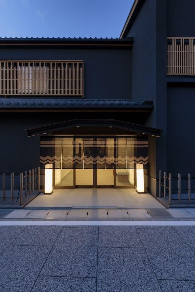 〈yubune〉のエントランス。Photo Tomohiro Sakashita