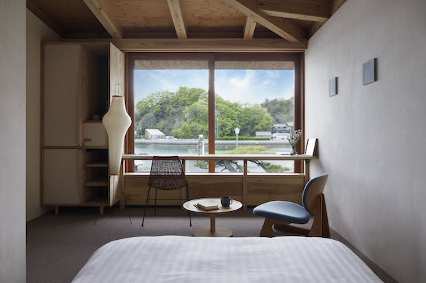 瀬戸田の美しい景色を見渡すことができるプライベートルーム。