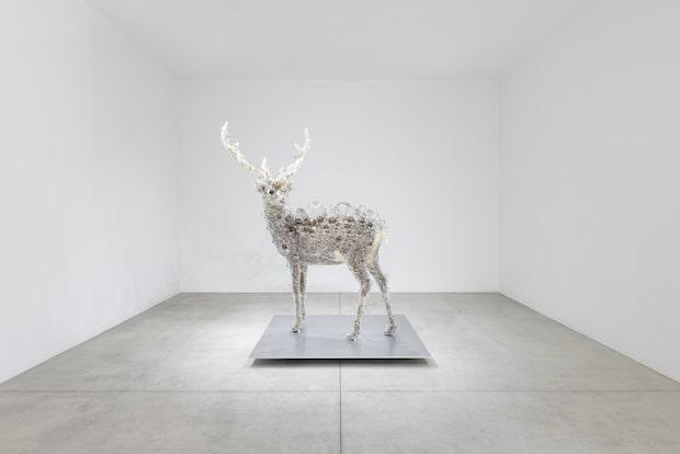 名和 晃平《PixCell-Deer#52》 撮影:小山田邦哉 2018, mixed media, H2173 ×W1896 ×D1500 mm