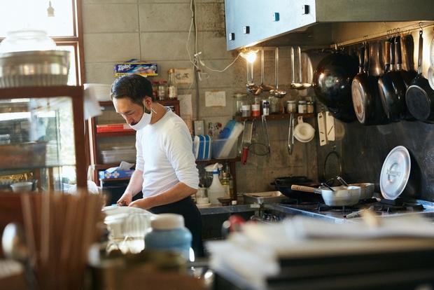 ランチは常時4種類。煮込み料理が必ず1種類入る。