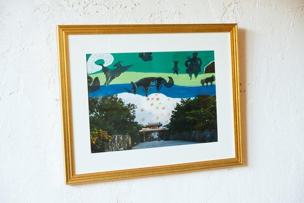 飾られていたのは、CONTEで開催された沖縄のフォトグラファー・G-KENさんと画家・BEBICHINさんによる二人展『¡Paseo Soñado!』の作品。