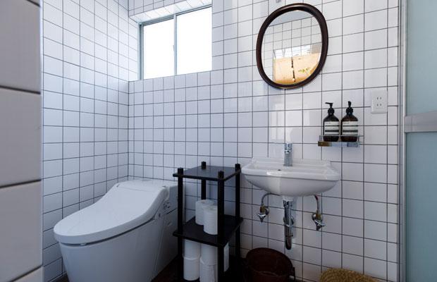 テナントのトイレと洗面も、設備と内装をやりかえた。