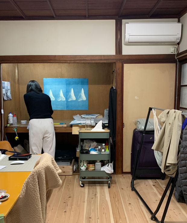 2階の吉田さんのスタジオ。こちらも床を張り替えています。