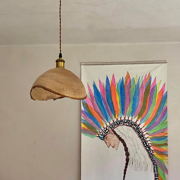 MAYAさんの自宅に取りつけられたランプシェード。