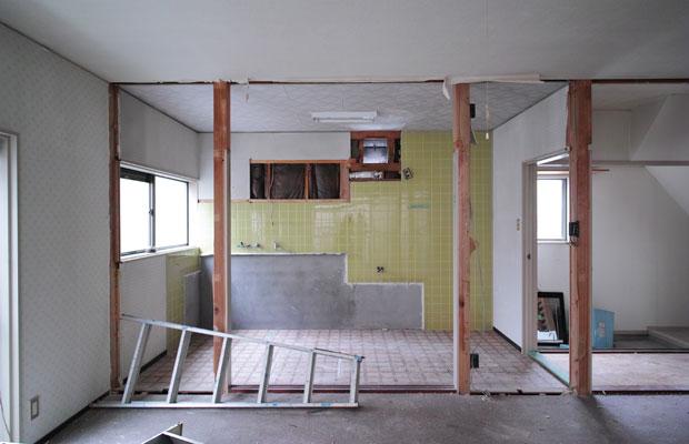 工事中。費用対効果の高い改修を行うため、残すところ、壊すところは入念に検討を行う。