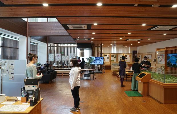 芦田宿本陣の横にある、ふるさと交流館〈芦田宿〉には日々いろいろな方が訪れる。