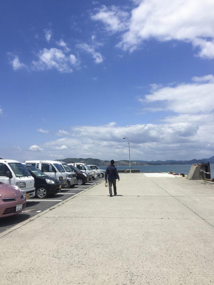 豊島に着きました。