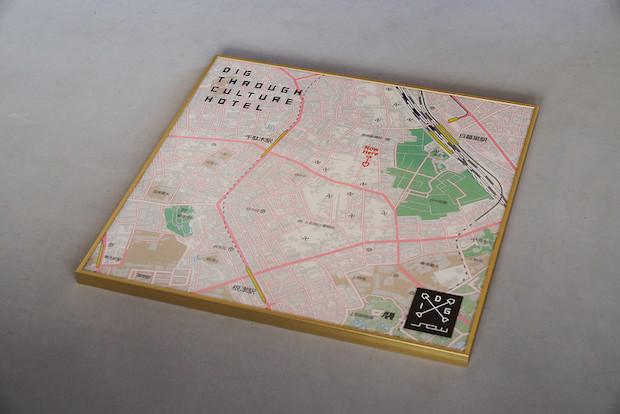 フロントにある地図を使って「YANAKA DIGGER」がまち散策をアドバイス。谷中の歴史や文化なども合わせて教えてくれるので、まちをより深く知ることができる。